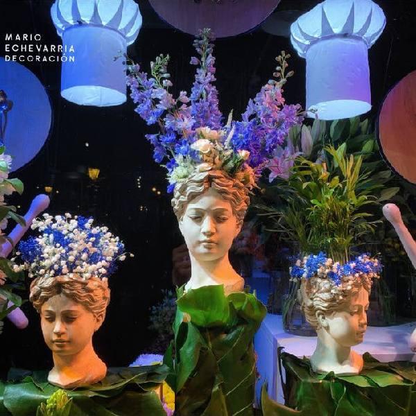 imagen noticia: Bustos complementan el escaparate de FLOWERS & EVENTS