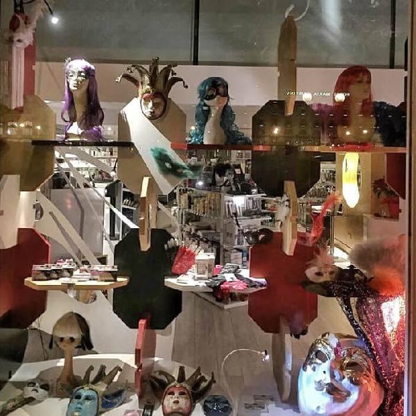 imagen noticia: Montamos un escaparate glamuroso en EXCLUSIVAS BUSTO
