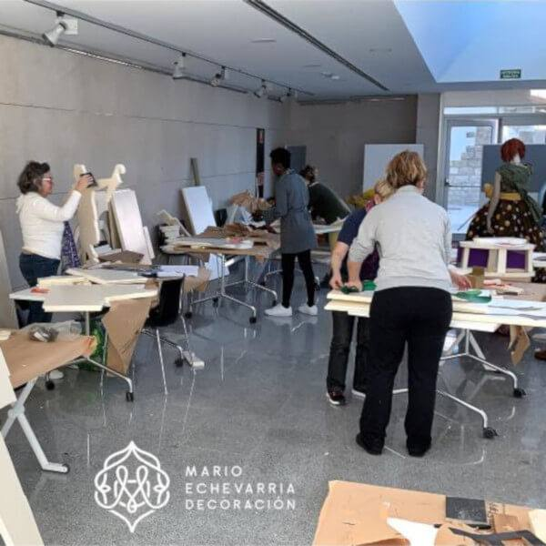 imagen noticia: Comienza la fabricación de los escaparates en el curso