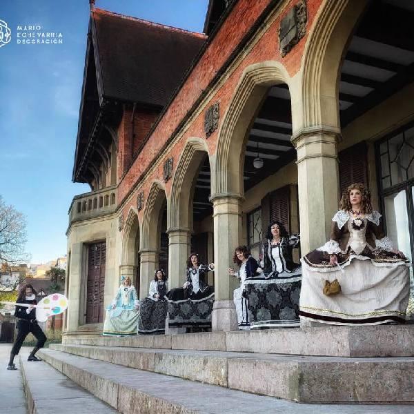 imagen noticia: ¡Las meninas salen del cuadro y pasean por Donostia!